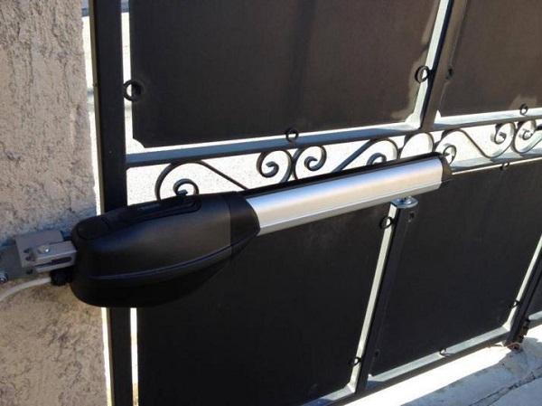 Motor cánh tay đòn là thiết bị quan trọng trong hệ thống cổng tự động