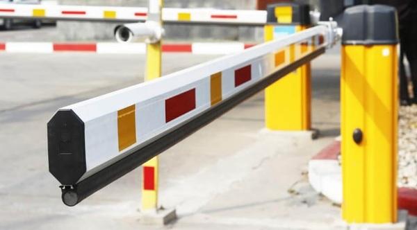 Thanh chắn barie là thiết bị tự động thuộc hệ thống kiểm soát an ninh